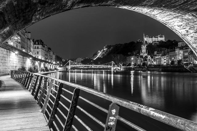 Saint-Georges par nuit