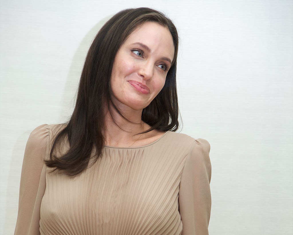 Анджелина Джоли — Пресс-конференция «Лазурный берег» 2015 – 2