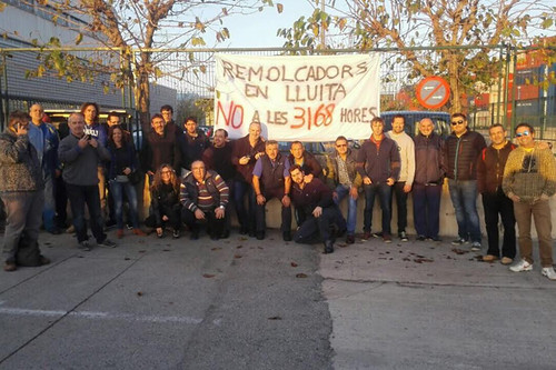 Remolcadors del Port de Barcelona en lluita en vaga indefinida
