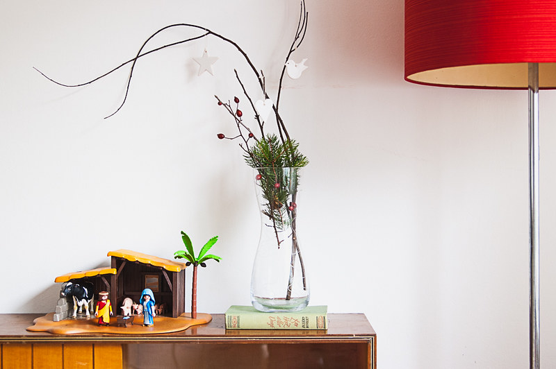 wie wir unser kinderzimmer auf weihnachten vorbereiten minimalismus style fr ulein im gl ck. Black Bedroom Furniture Sets. Home Design Ideas