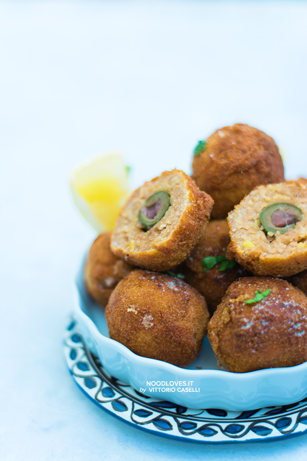 Crocchette di tonno con olive ripiene