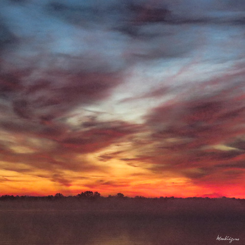 cloud dawn morning nuage sunrise weather dark noir québec canada monteregina fiery sky ciel dramatic fog brume brouillard nebel
