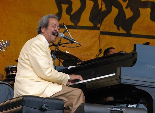 Allen Toussaint at Jazz Fest 2006, photo by Black Mold