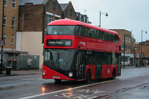 Arriva London LT575 on Route 149, Dalston Junction