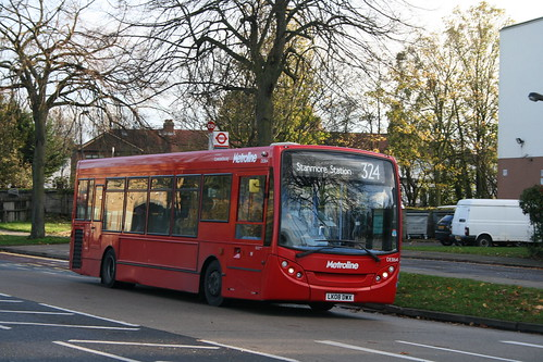 Metroline DE864 on Route 324, Queensbury