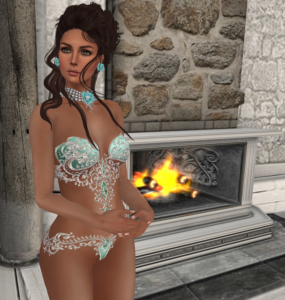 Genevieve as lingerie, Lucid green, Carries Lingerie