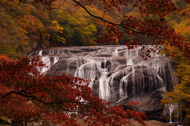 Autumn in Fukuroda falls