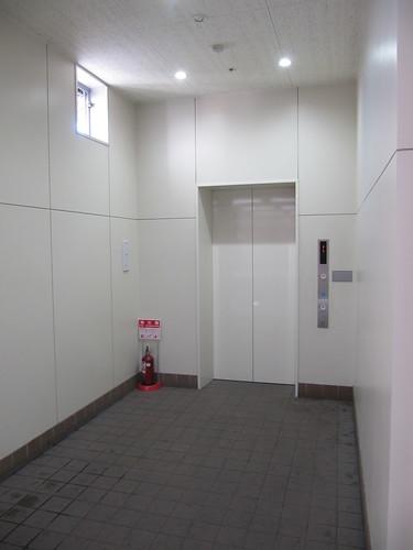 金沢競馬場のエレベーター