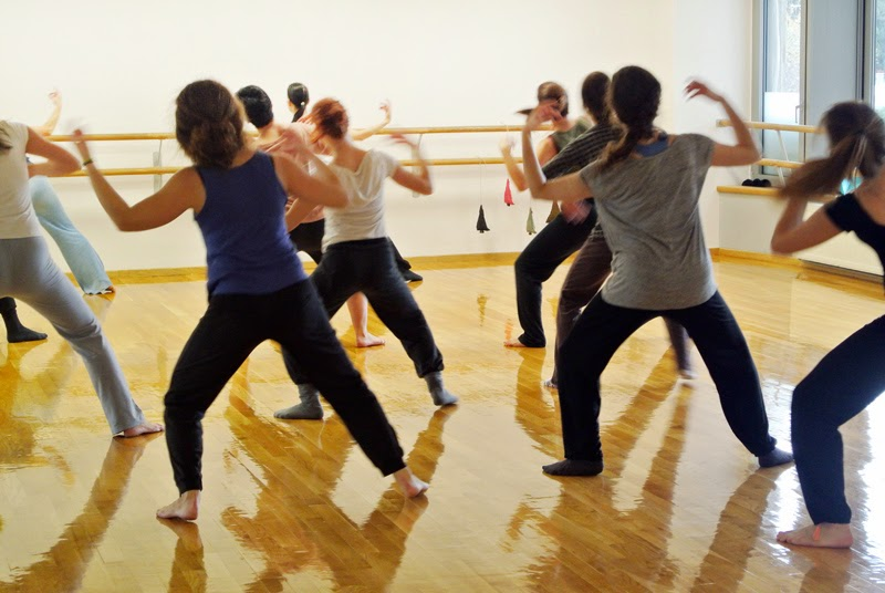 dance_workshop_nina_dipla_kinoumestudio