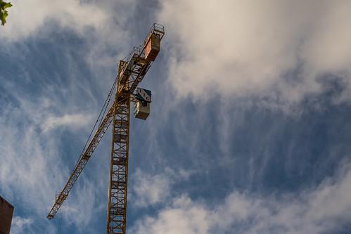 gastown crane of destiny-0001-vancouver-gastown-xe2-zeiss35-2-20151013-DSCF7555.jpg