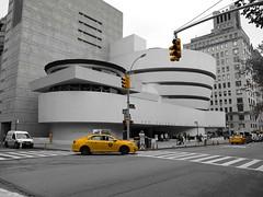 Guggenheim Museum mit Yellow Cab - New York