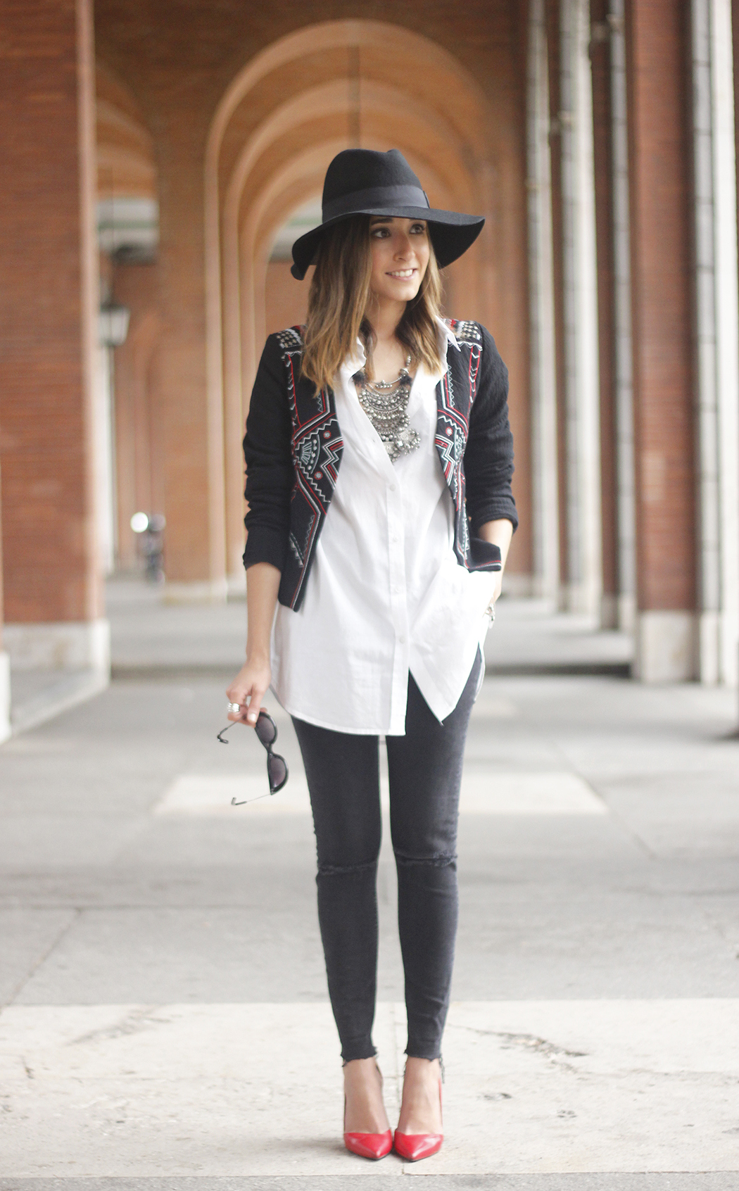 embroidered jacket black ripped jeans hat parfois red shoes outfit08