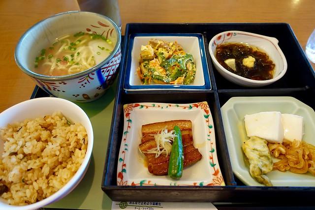 Photo:dinner:『琉球御膳』 @『ロイヤル』(那覇空港内) By TOMODA