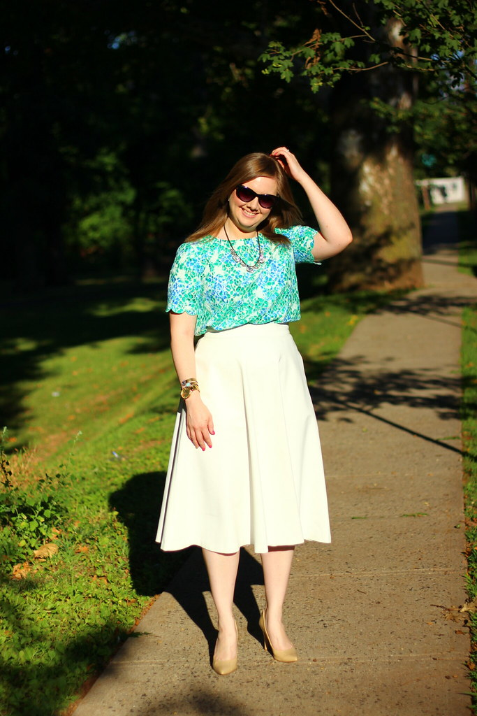 Floral lace top and white midi skirt (5)