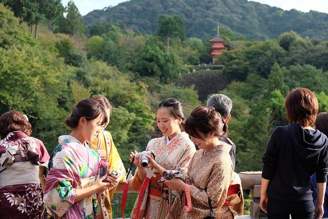 Japanese girls and Koyasu Pagoda
