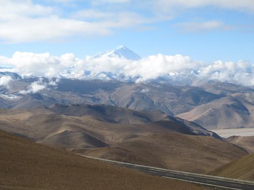 Retour vers Shigatse: belle vue sur l'Everest