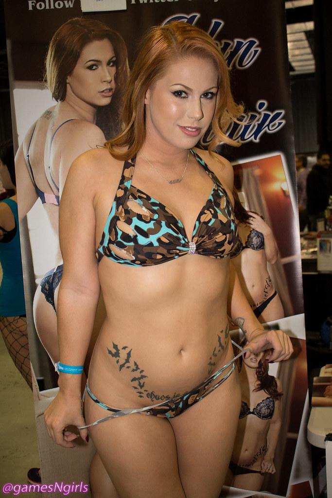 bikini archery girls
