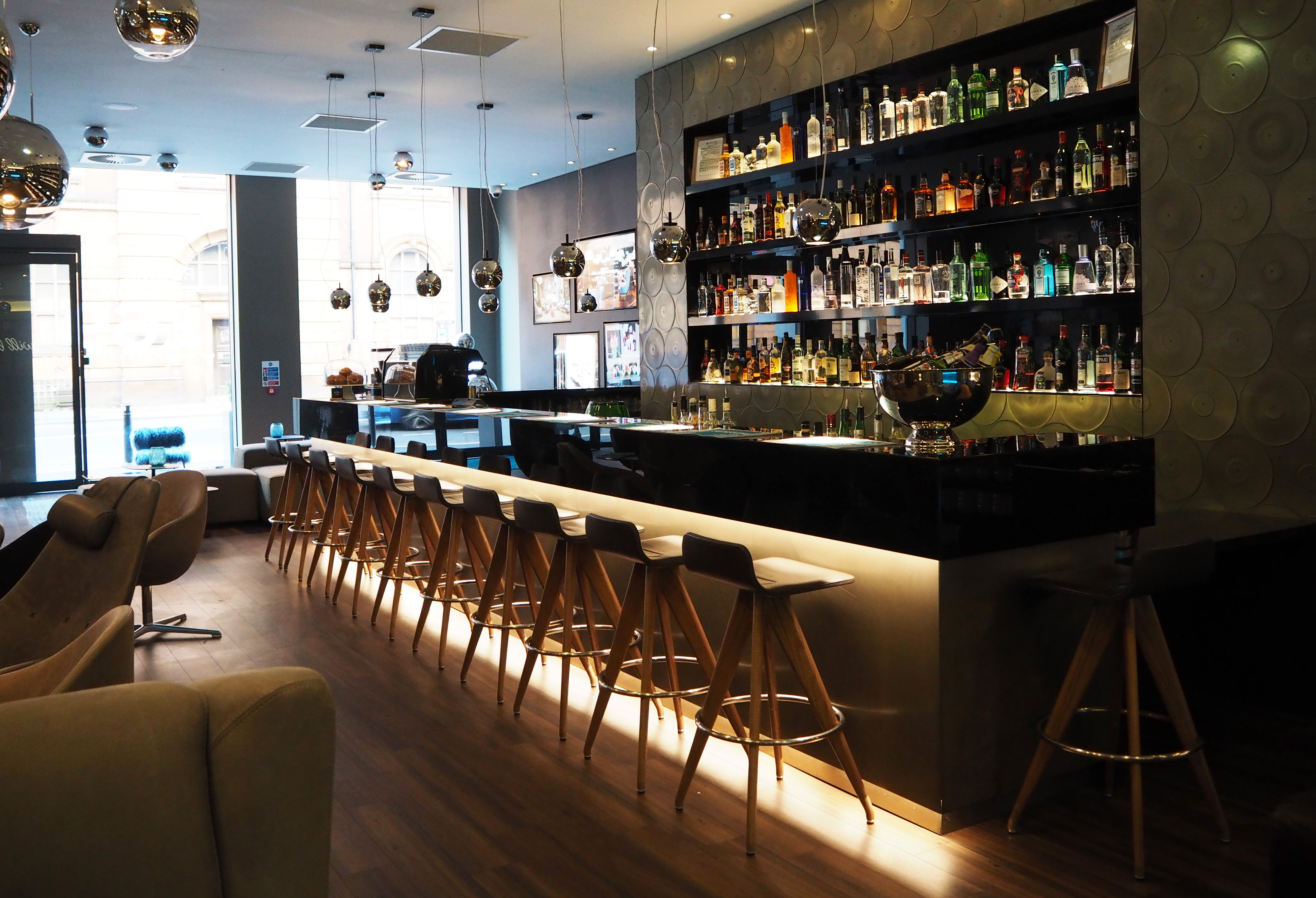 hotel-bar-motel-one-manchester