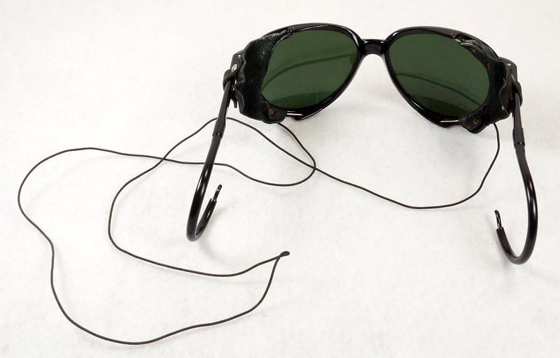 RD14855 Vintage 70s 80s Aviator Ski Motorcycle Sunglasses Black with Leather Side Shield Nylon Frame Japan DSC06466