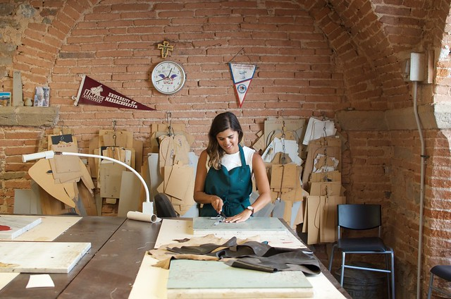 One Day Offline - Leather Making in Florence