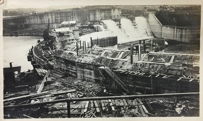 Constructing the Panama Canal