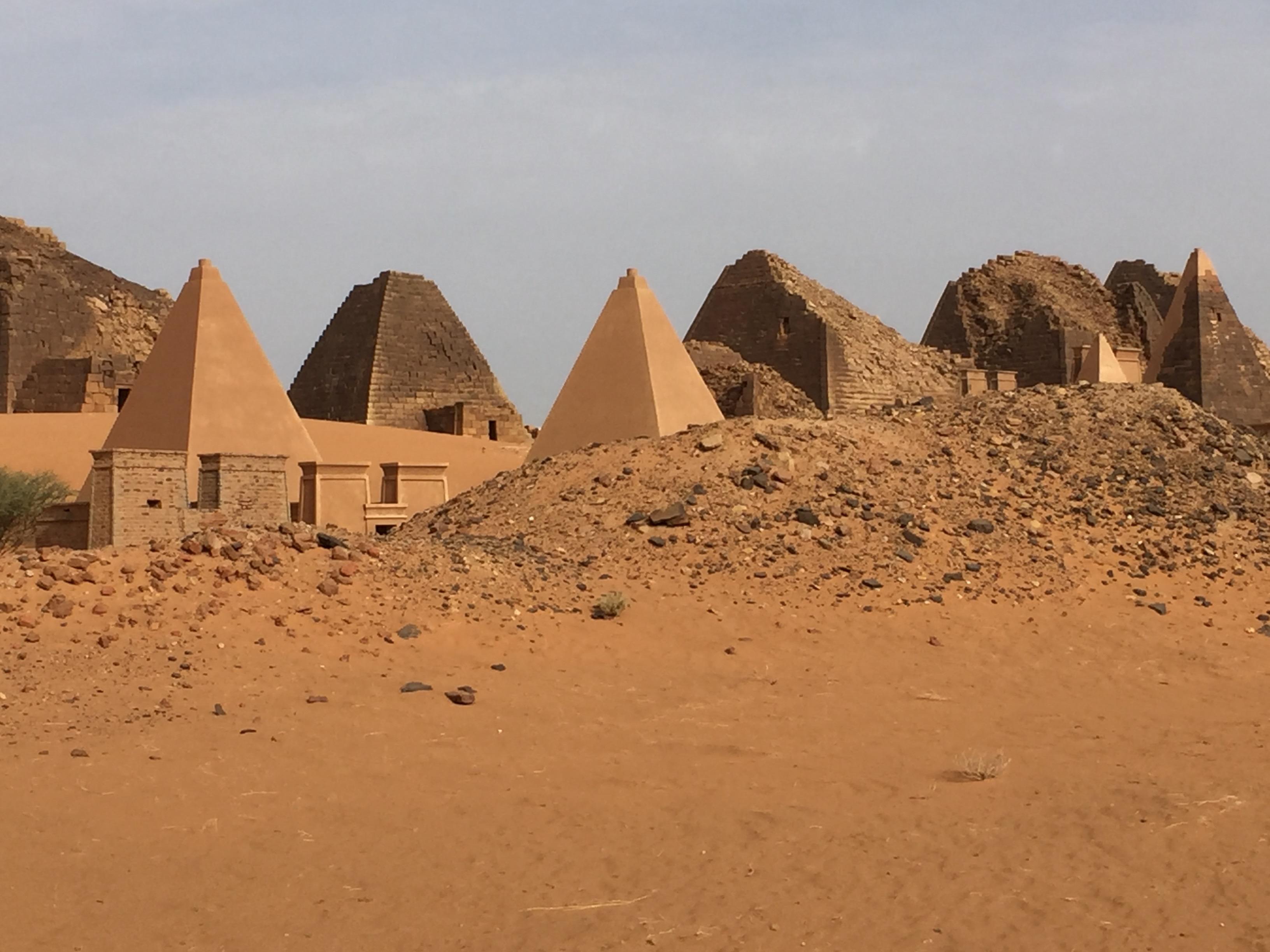Pyramiden-3