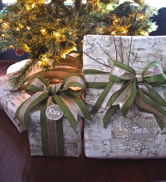 2 Bees in a Pod Gift Wrapping Ideas