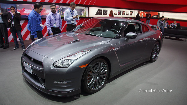 Nissan GT-R Best Retained Value Award at LA Auto Show 2015