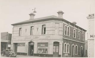 Shakespeare Hotel, Waymouth Street, Adelaide, 1942