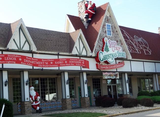 santa-claus-christmas-store