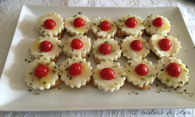 canape de queso de cabra con tomate1