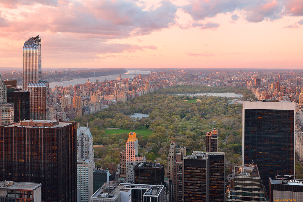 "Sunset in Central Park from ""Top of the Rock"", Rockefeller Center (New York)."