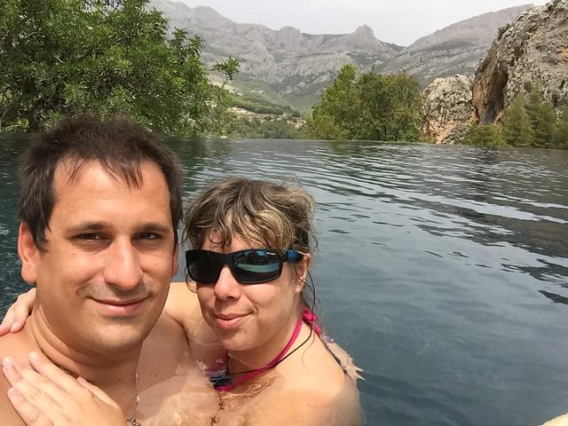 Sele y Rebeca en el Vivood Landscape Hotel (Valle de Guadalest, Alicante)