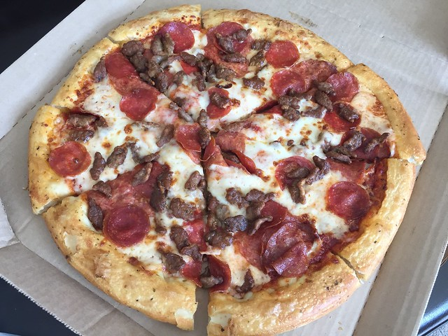 Primo meat pan pizza - Pizza Hut