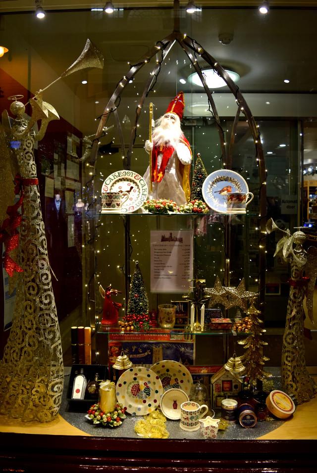 Canterbury Cathedral Christmas Shop | www.rachelphipps.com @rachelphipps