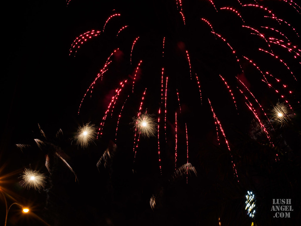 mall-of-asia-fireworks