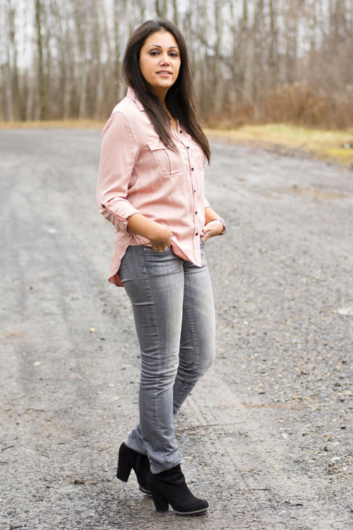 9-aeo-shirt-hm-grey-skinny-jeans-zara-black-booties