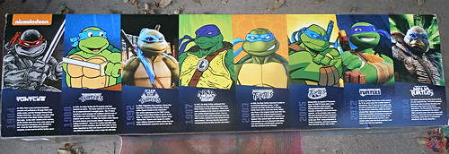"Nickelodeon ""HISTORY OF TEENAGE MUTANT NINJA TURTLES"" FEATURING LEONARDO box iii (( 2015 ))"