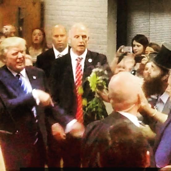 #DonaldTrump #FlowersForPeace