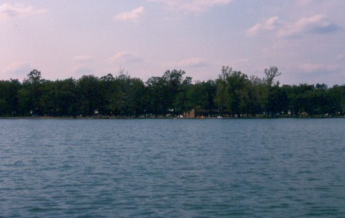 East Lake Park / P1983-0429a065-s32