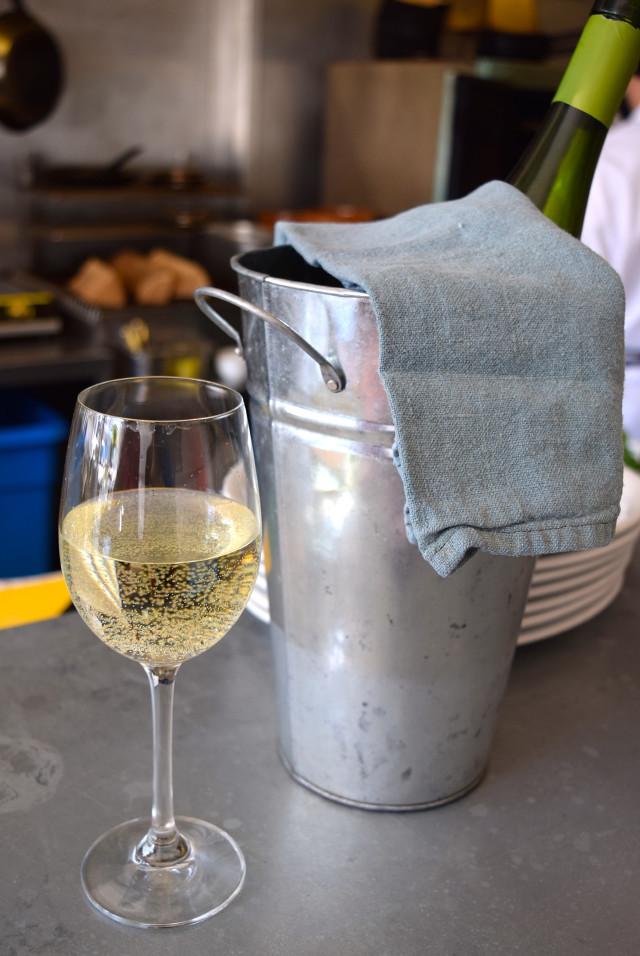 White Wine at John Doe, Westbourne Park | www.rachelphipps.com @rachelphipps