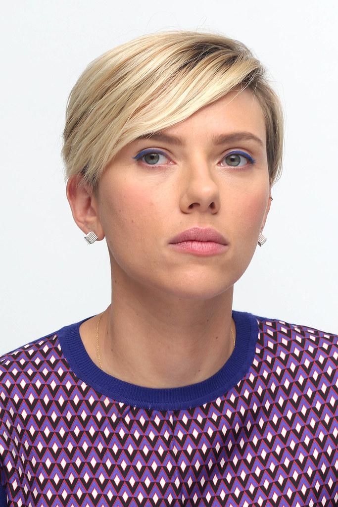 Скарлетт Йоханссон — Пресс-конференция «Мстители: Эра Альтрона» 2015 – 38