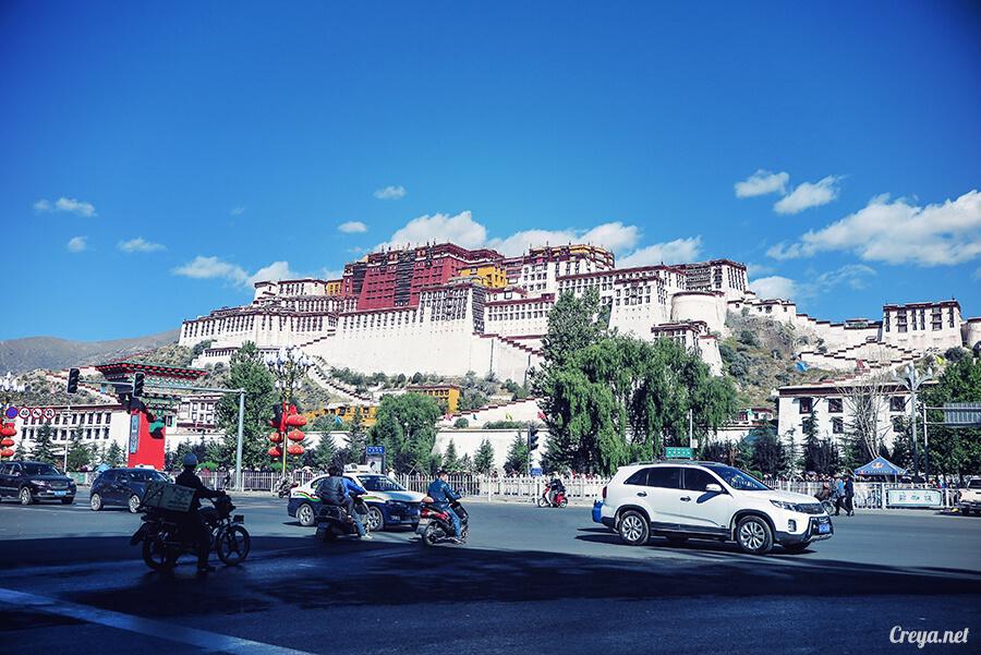 2015.12.04▐ Tibet 西藏踢北去 ▐ 藏人的精神殿堂布達拉宮,但或許不只我們高山反應沒精神…04.jpg