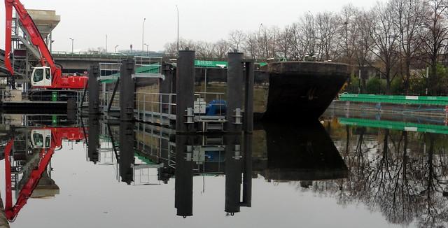 barge, Panasonic DMC-TZ55