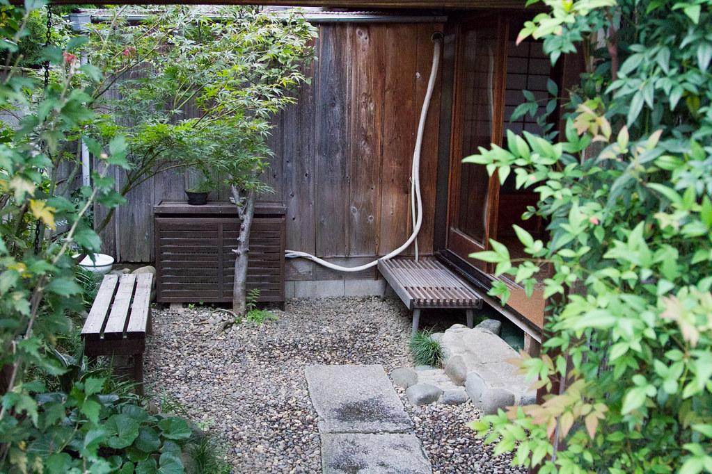 omotesando-coffee-courtyard
