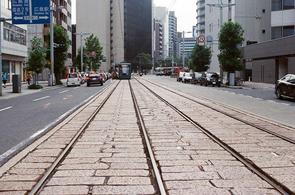 路面電車 広島 Hiroshima 2015/08/30 路面電車軌道  Nikon FM2 / 50mm Kodak UltraMax ISO400 Photo by Toomore