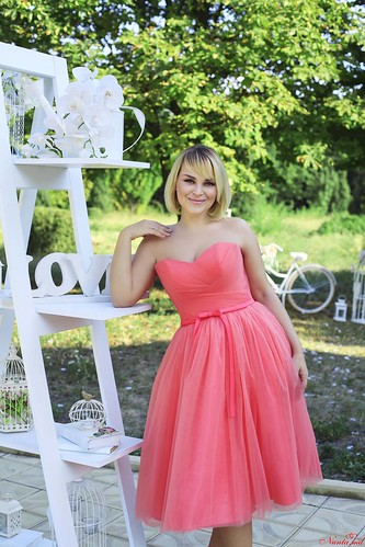 Julia Helena > LOREN