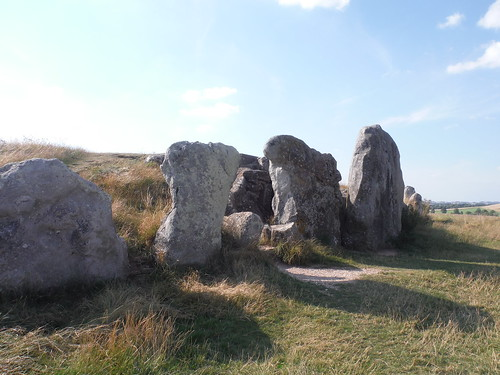 West Kennett Long Barrow, Entrance