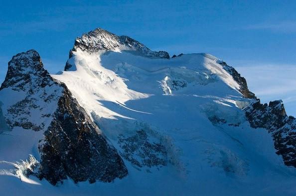 Avalancha en Los Alpes mata a siete alpinistas