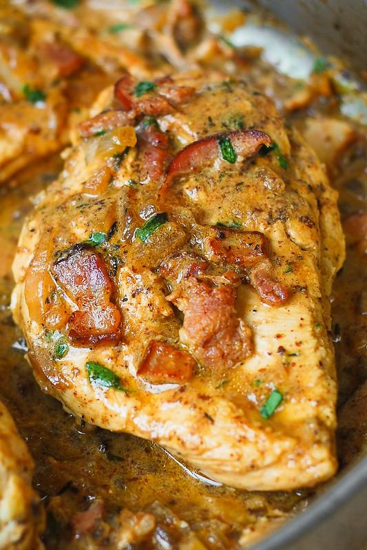 'chicken with creamy mustard sauce, bacon chicken, bacon chicken breast' from the web at 'https://farm6.staticflickr.com/5802/22209379131_5ffceb1eda_c.jpg'
